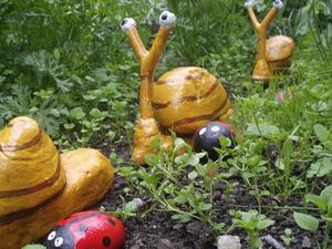 Поделки из пластика для сада
